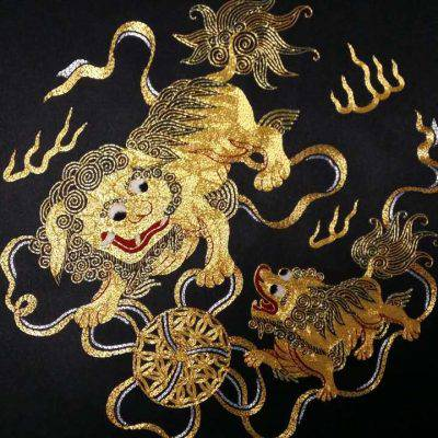 Handmade Round-gold Embroidery, Size 17-1/4 X 17-1/4 Lions (P-345)