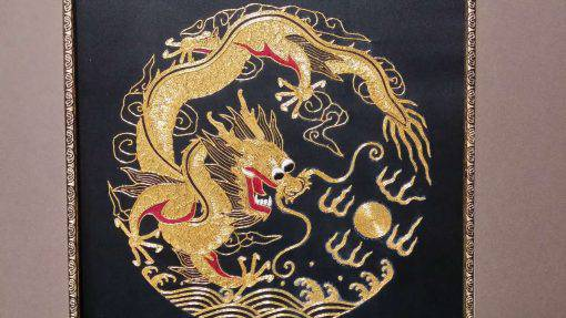 Handmade Round-gold Embroidery, Size 20-1/2 X 20-1/2(Dragon) (P-363)